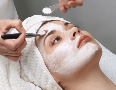 Schoonheidssalon gezichtsbehandeling